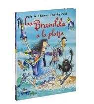 La bruixa Brunilda a la platja